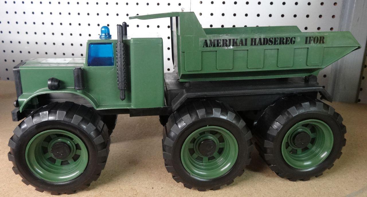 Katonai Dömper BIG Autó modell gyerek játék IFOR