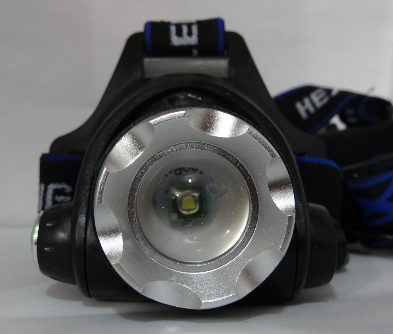 200w Fejlámpa 2db Akkumulátorral Cree Led zoom - High Power - kék